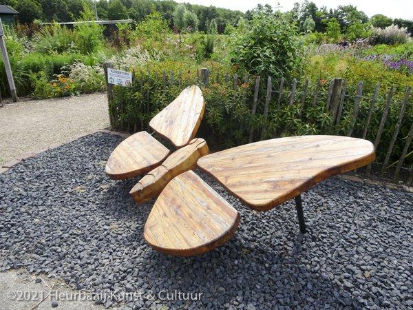 Kunst in de vlindertuin