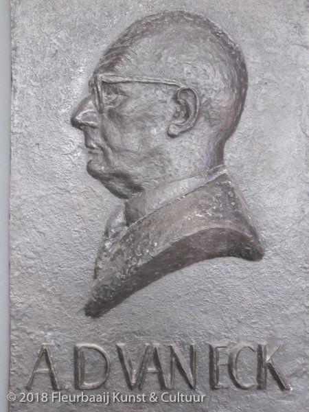 Portretreliëf A.D. van Eck